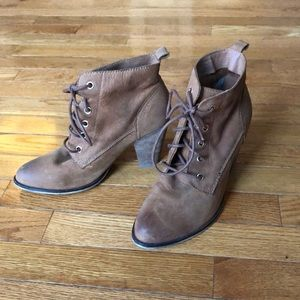 Steve Madden Pennylane Leather Lace Up Booties.
